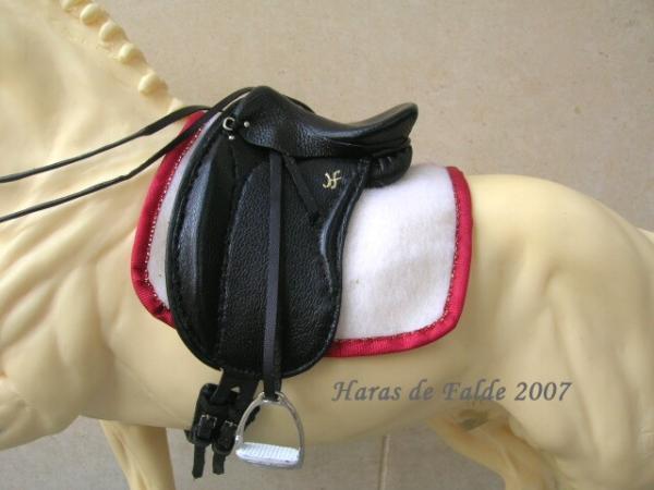 Как сделать седло для игрушечный лошадей